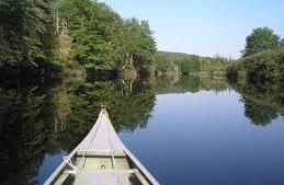 CanoeOnRiver