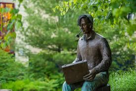 Tom Thomson Statue in Huntsville